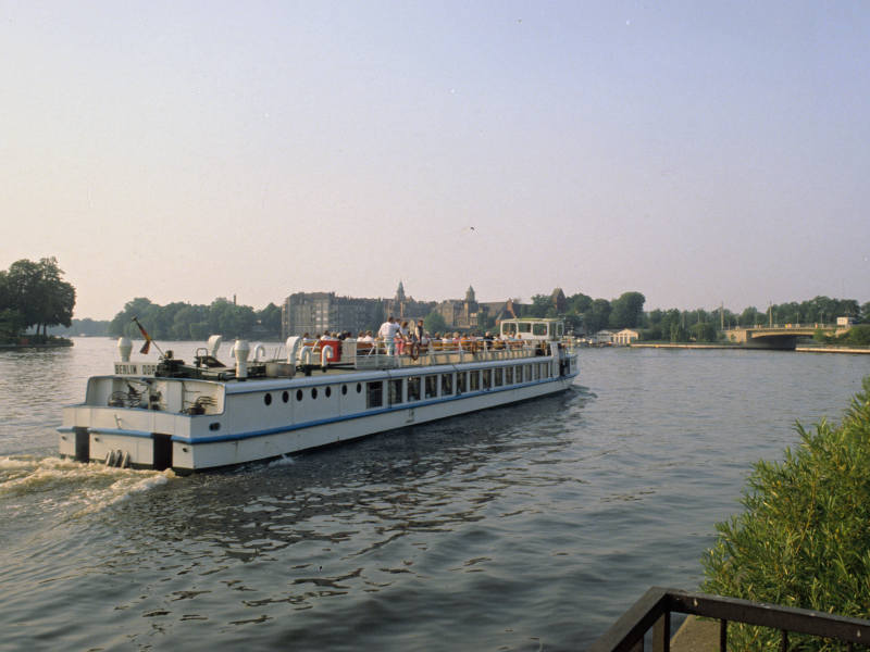 01. Auftauchen: Ostberlin MS Pankow im Seddinsee