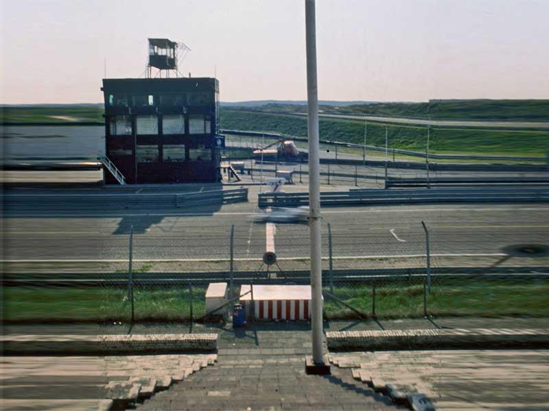 35. Bezwingen der Masseträgheit: Zandvoort, Rennstrecke im Tower über der Zeitnahme
