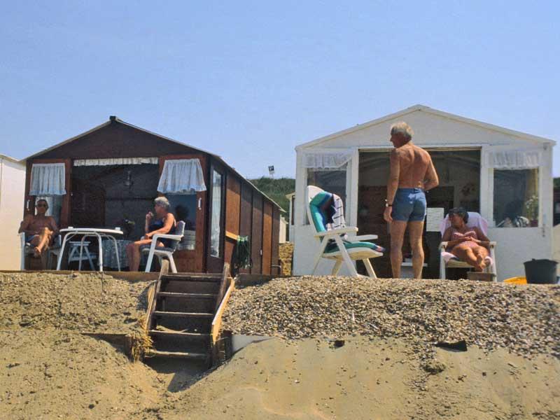 36. Die Sehnsucht Meer ist erfüllt, es keimt die Sehnsucht Berge: Zandvoort, Sommerhäuschen